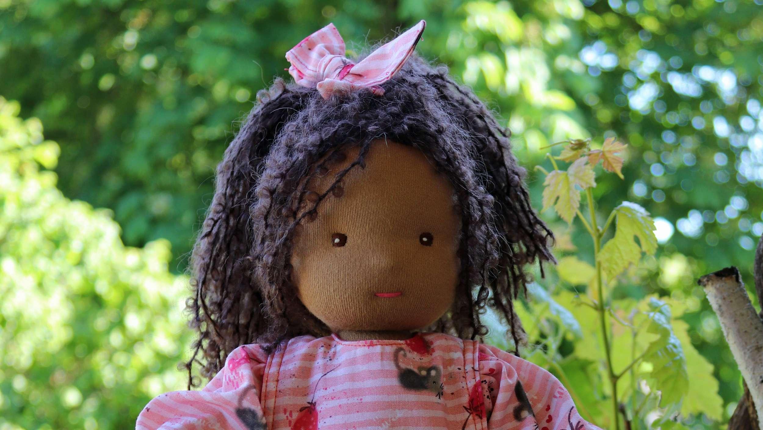Puppen mit dunkler Hautfarbe